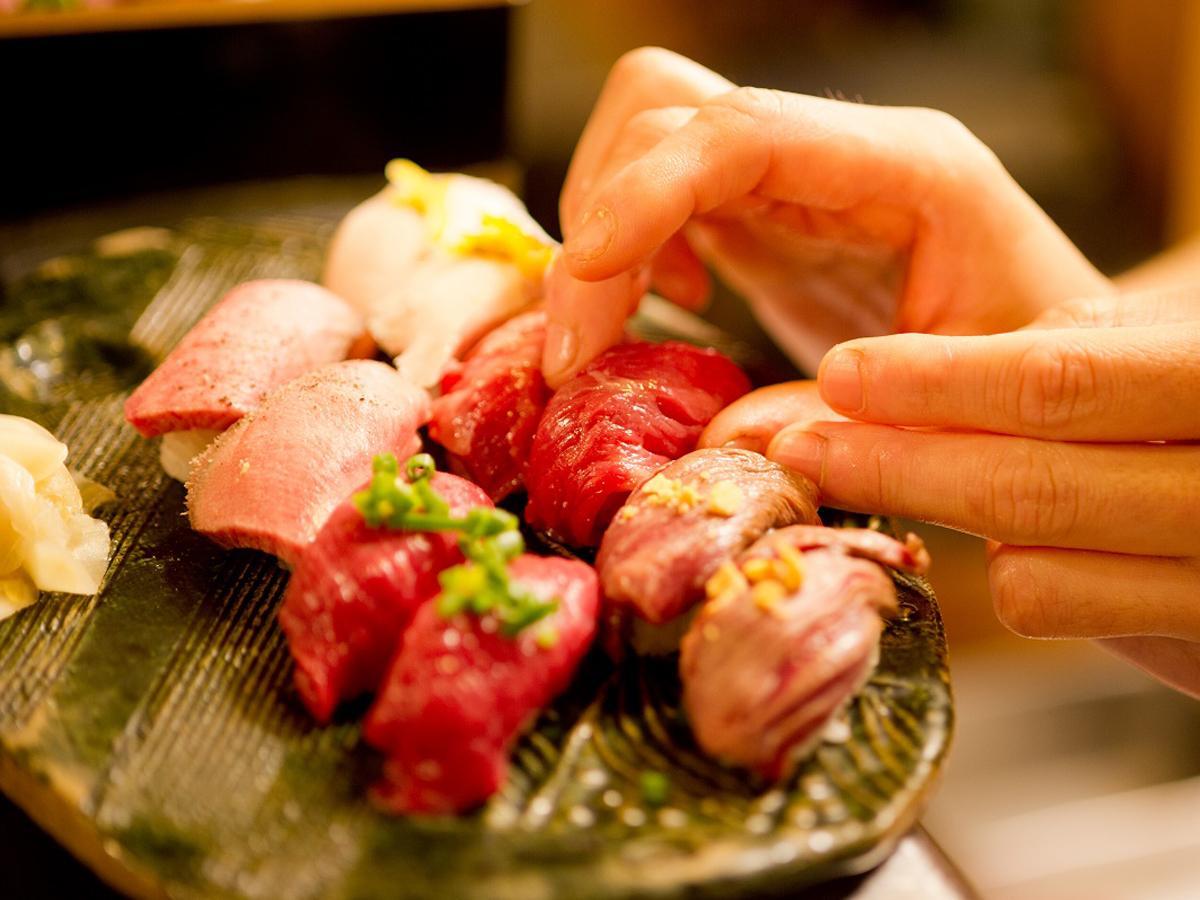 博多に「博多筑紫口 肉寿司」がオープン