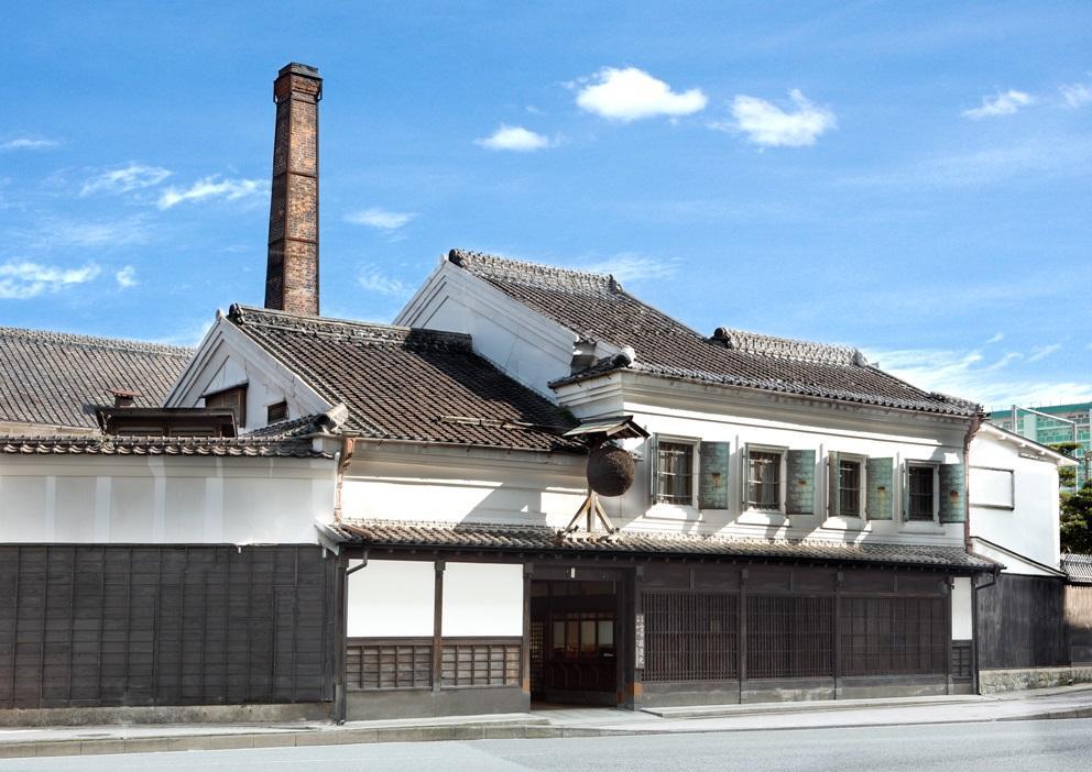 博多百年蔵で酒蔵開き 日本酒飲み比べコーナーも