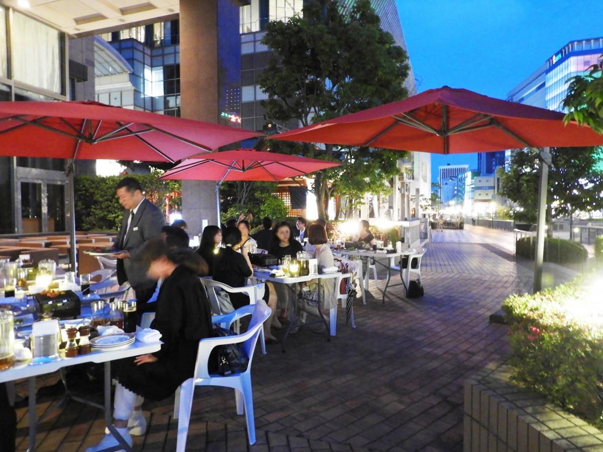 ホテルオークラ福岡で「テラスバーベキュー」