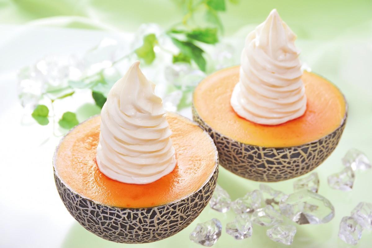 「札幌やおきゅう」の「生メロンソフトクリーム」