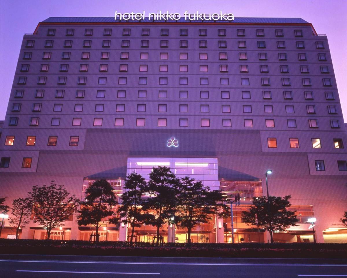 「ホテル日航福岡 サマー・ワイン・パーティ~イリュージョンと沖縄音楽の夕べ~」が開催