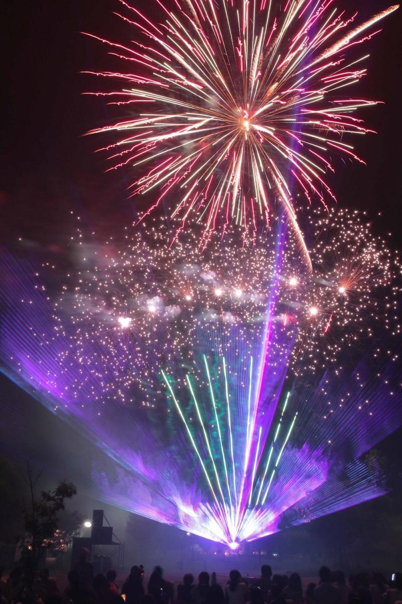 ベイサイドプレイス博多で「花火ファンタジア&盆踊り大会」