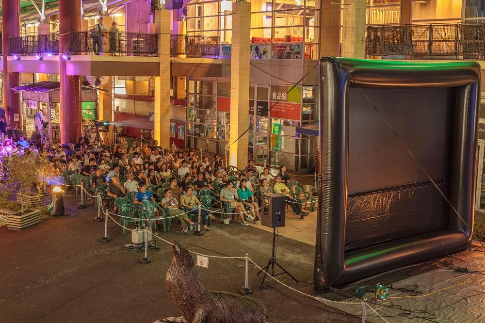 ベイサイドプレイス博多で「海辺の映画館」(昨年の様子)