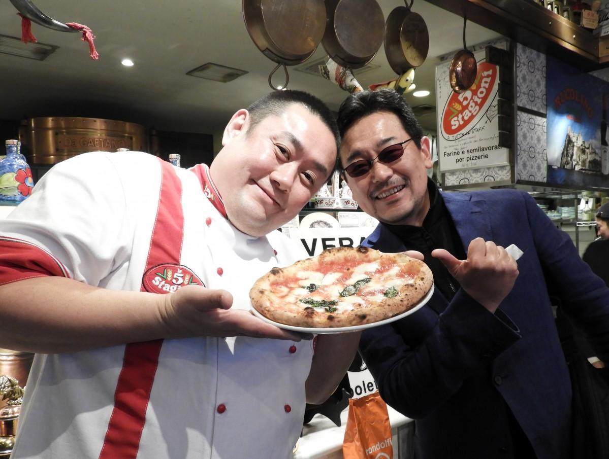 総合プロデューサーの舌間智英さん(左)とTOGGY(トギー)さん