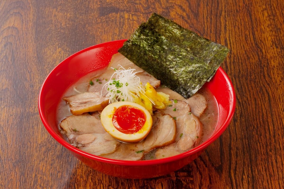 「UMAMIと豚骨ラーメン 割烹 賢太朗」の「UMAMI豚骨ラーメン 和 なごみ 特製」