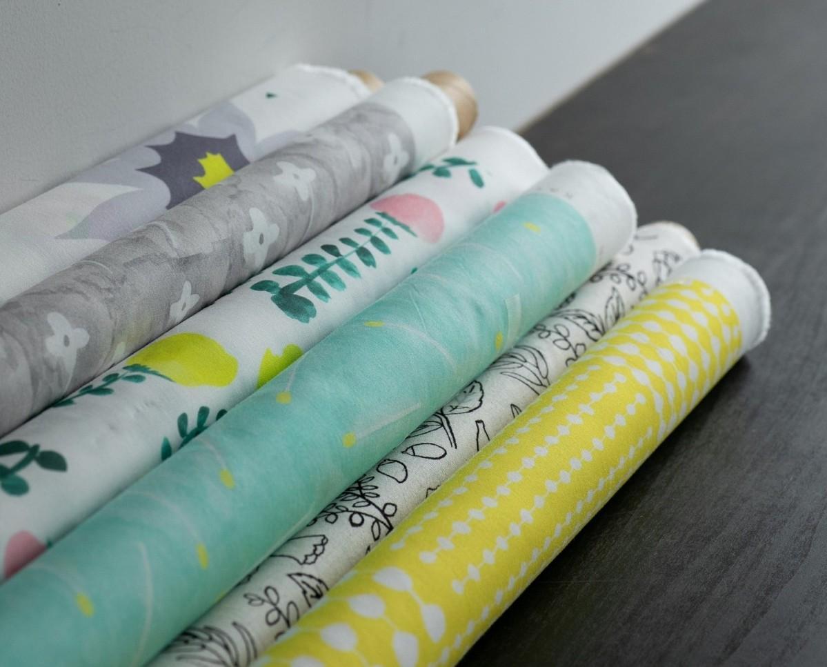 「KAYO AOYAMA」の布