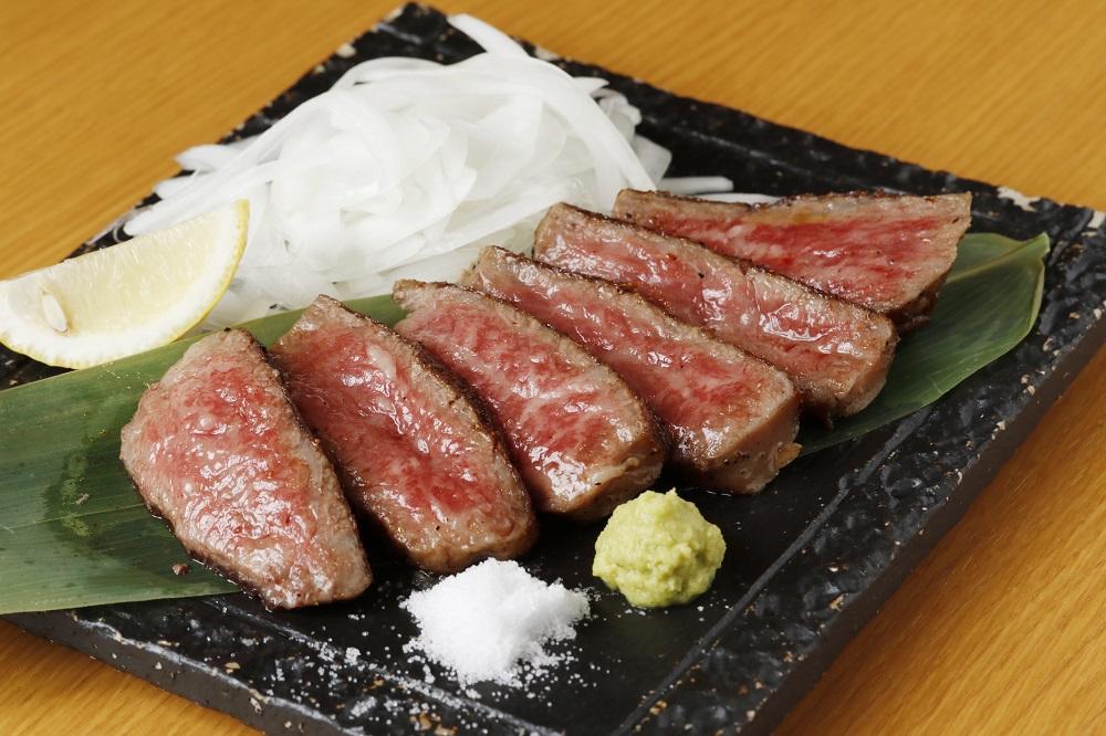 「お好み焼き・鉄板焼き こて吉」の「九州産和牛のステーキ」