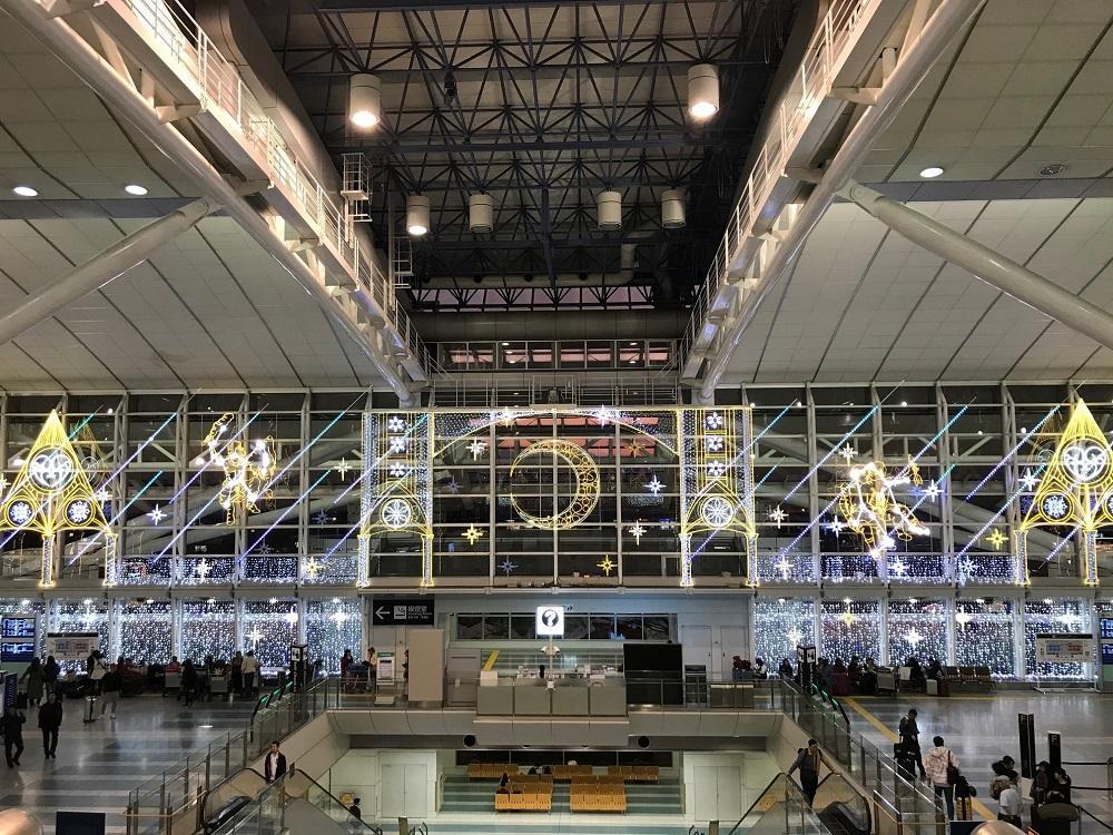 福岡空港国際線ターミナルにクリスマスイルミネーション 天空の星座 ...