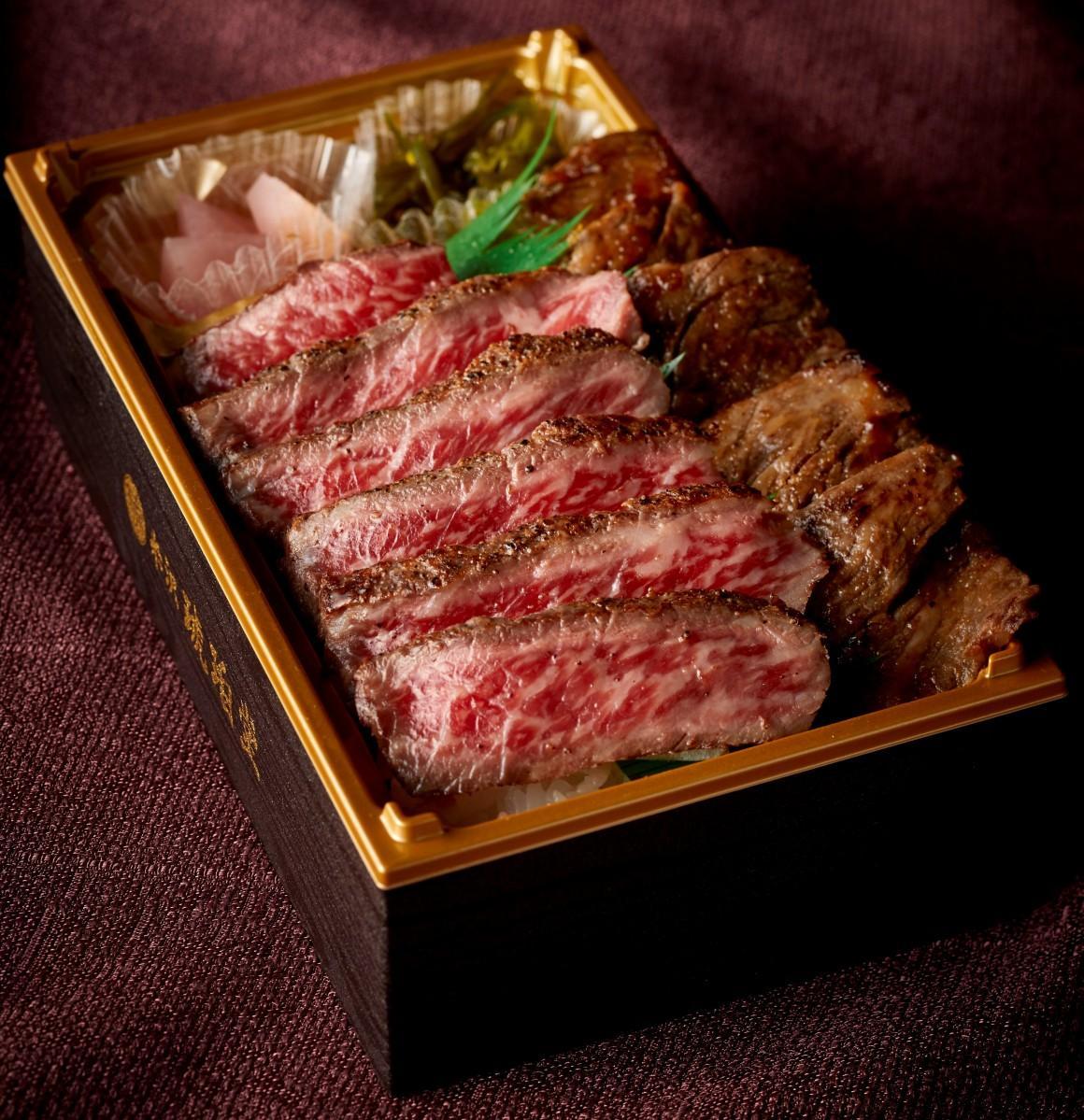 「米沢 琥珀堂」の「米沢牛ステーキ&カルビ弁当」