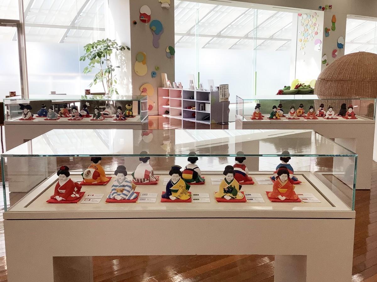 「ハカタオフク」グローバル版、福岡アジア美術館会場の様子