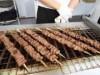 博多駅前で南阿蘇あか牛の串焼きやキーマカレー販売 南阿蘇村PRイベントで