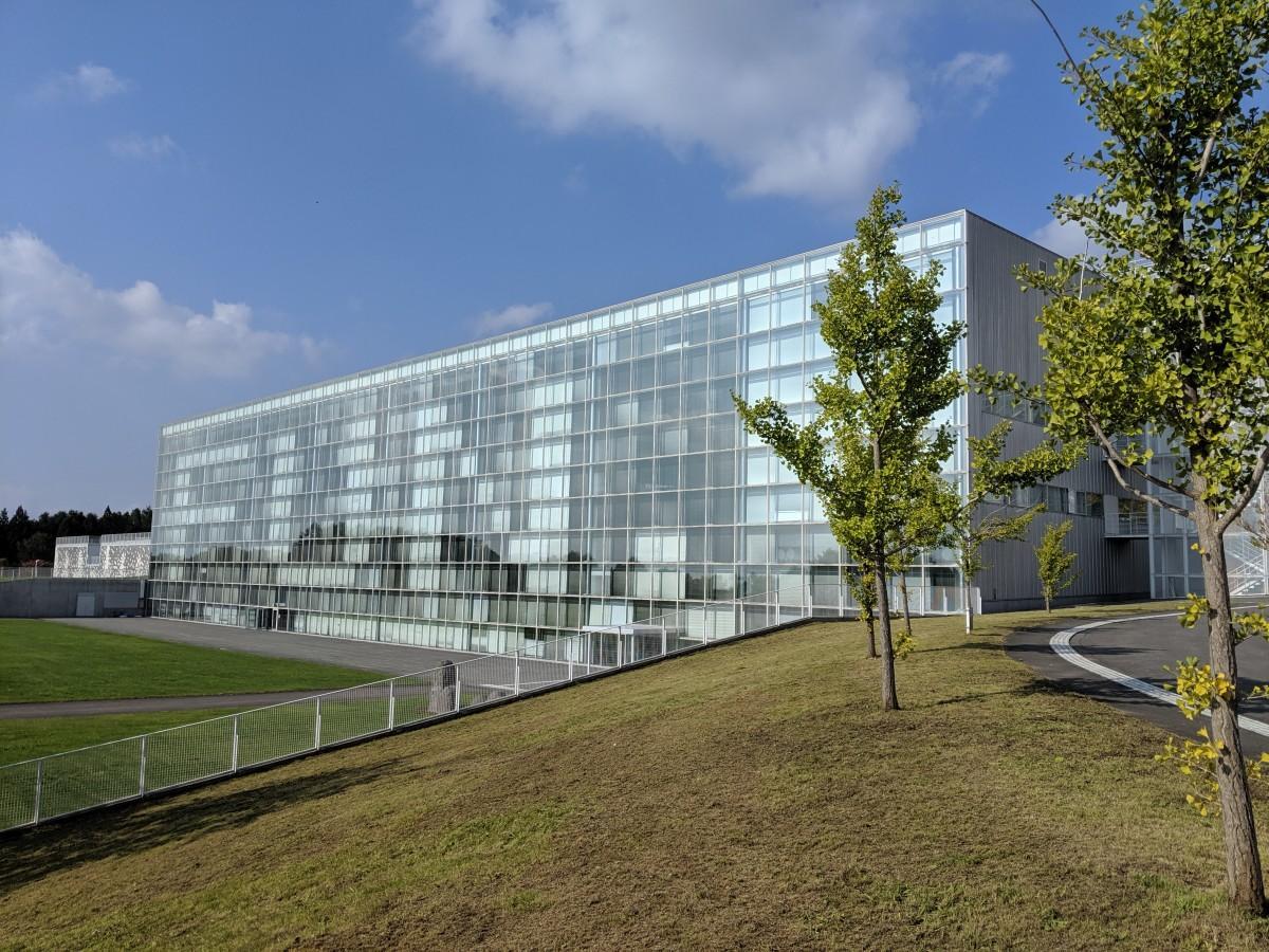 市民公開講座は開講されるはこだて未来大学校舎