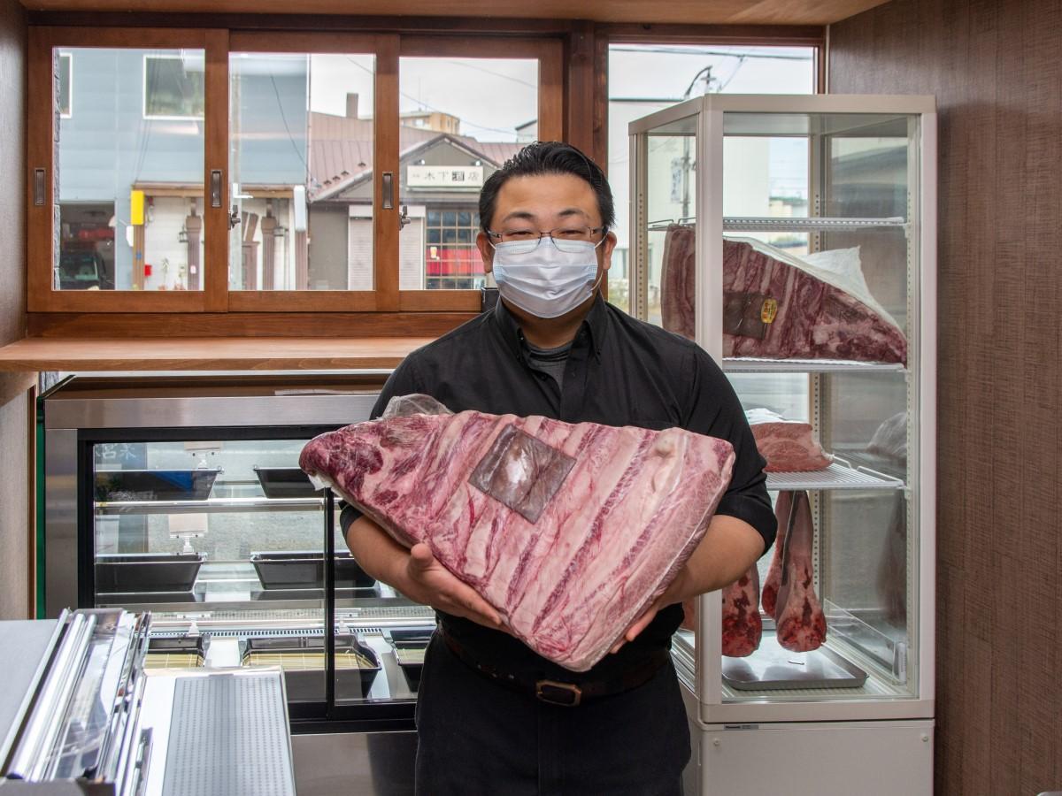 全国各地から仕入れる牛タンや黒毛和牛を中心に焼き肉用の肉を幅広く販売する