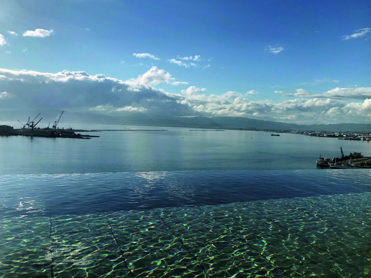 西側露天風呂から見える函館湾の景色