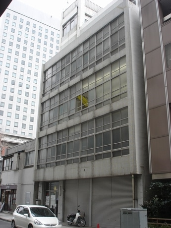 Y-GSAビルが入居する松島ビル