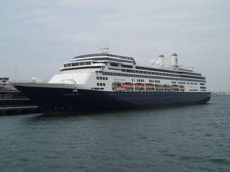 オランダ船籍の豪華客船「アムステルダム」