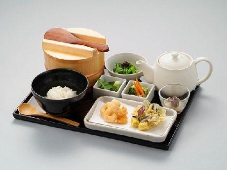 「えび天茶セット」(950円)