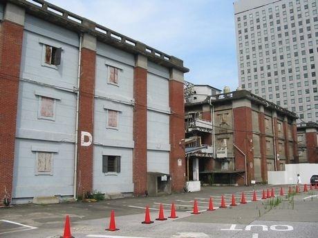旧帝蚕倉庫の建築群