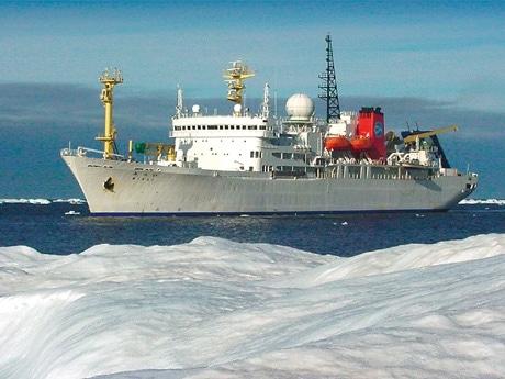 海洋地球研究船「みらい」