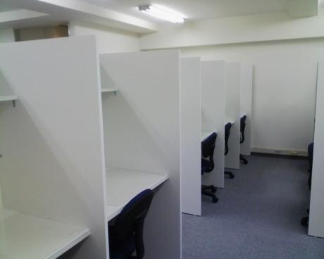 「プラスルーム横浜」室内