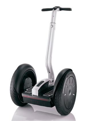 立ち乗り型の電動二輪車「セグウェイ」