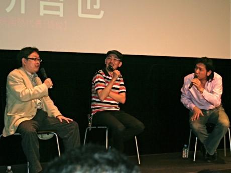 7月4日に開催されたトークショーの様子(左より、竹熊健太郎さん、FROGMANさん、別所哲也さん)