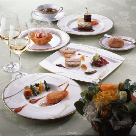 「名画でたどる美食の旅」フェアメニューのイメージ