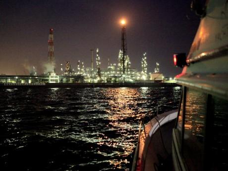 「工場夜景アドベンチャークルーズ」から見る夜景