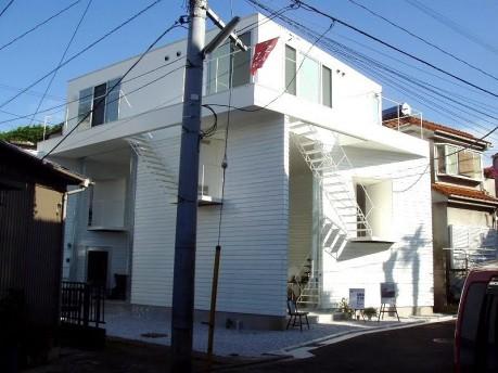 本町ビルシゴカイに拠点を置く建築事務所「ON design」が設計した「ヨコハマアパートメント」外観
