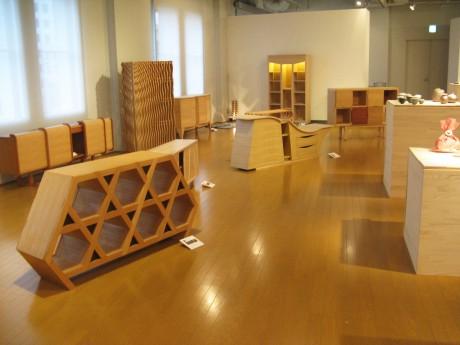 YCCに展示されている学生らの作品