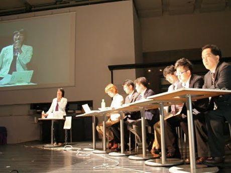 「ソーシャルメディアは政治を変える?」をテーマに7月に行われた公開トーク