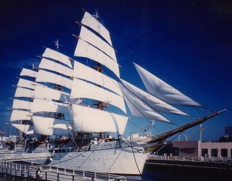 4月28日に公開25周年を迎える「帆船日本丸」