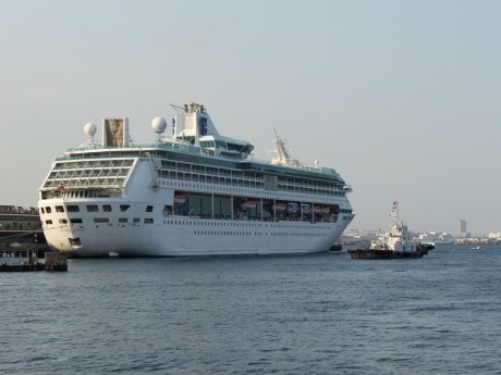 5月2日、横浜港に初寄港した大型客船「レジェンド・オブ・ザ・シーズ」