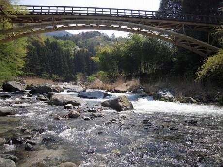 横浜市の水源「山梨県道志村」の道志川