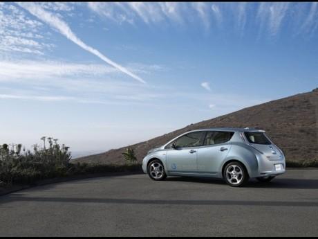 電気自動車(EV)「日産リーフ」