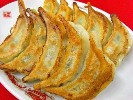 7月12日にオープンした「野毛の中華食堂 濱龍」の特製「はまりゅう餃子」