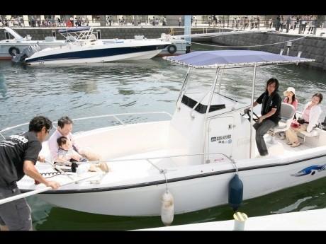 「ボート免許艇」乗船体験の様子