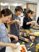 石川町「カドベヤ」で出会いと料理の参加型イベント-Cookwalker