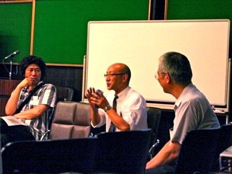 左よりデジタルキャンプ代表の渡部健司さん、横浜ニューテアトル支配人の長谷川喜行さん、ポートサイド・ステーションの和田昌樹さん(6月29日に行われた「賛同者の集い」より)