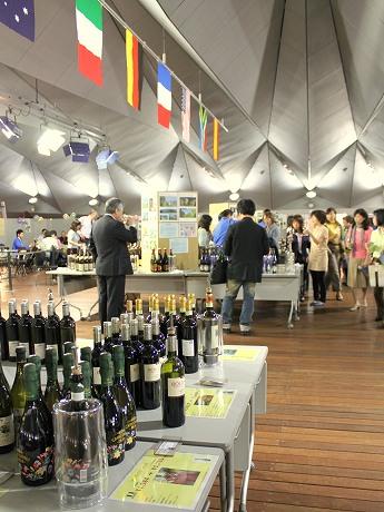 昨年行われた「ワインフェスティバル」の様子
