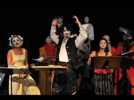 作品「The Begger's Opera」(2009年、OUR SPACE)