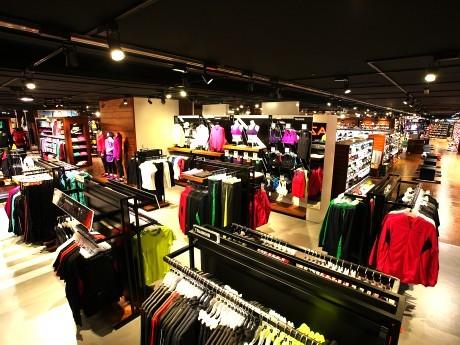 10月1日にオープンした「スーパースポーツゼビオ横浜みなとみらいクイーンズイースト店」