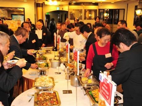 昨年行われた美食節「新作メニュー発表会」の様子