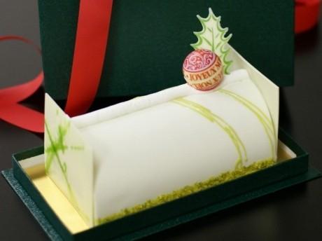 映画「ノルウェイの森」の公開を記念したクリスマスケーキ「ノエル・ブラン~ノルウェイの森」