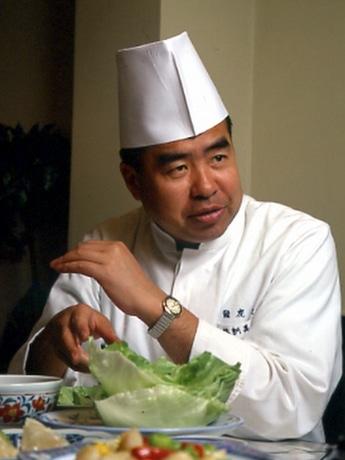 「中華食育料理教室」の講師を務めるフードコンサルタントの「りんくんび」さん