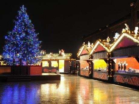 ドイツのクリスマスマーケットを再現した「クリスマスマーケットin赤レンガ倉庫」