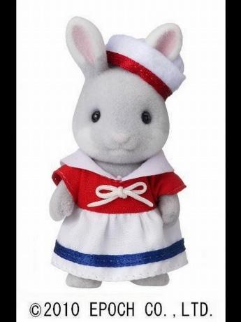 よこはまコスモワールドのステージショーに登場する「シルバニアファミリー」しおかぜウサギの女の子