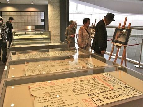震災の翌日3月12日から17日までの6日間、手書きで発行した壁新聞