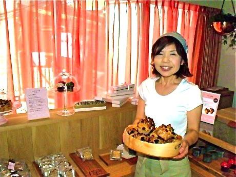 「MOTOMACHI CUP BAKE」オーナーの重野佐和子さん