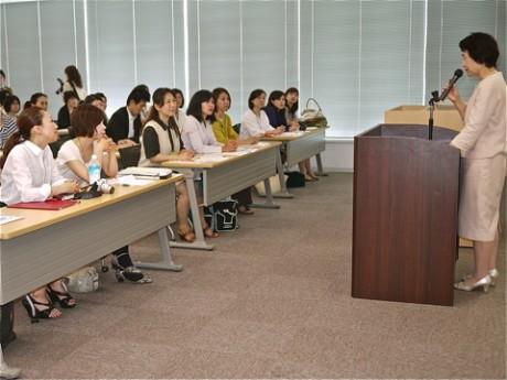 女性経営者としての「先輩」、林文子市長のメッセージに参加者は耳を傾けた